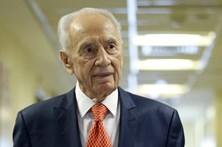 """Shimon Peres está """"entre a vida e a morte"""""""
