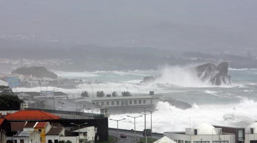 Madeira em alerta devido à precipitação e vento forte