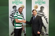 Sporting anuncia contratação de Hernán Barcos