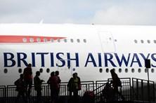 Dezenas de voos da British Airways continuam cancelados