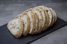 Menina morre engasgada com pedaço de pão