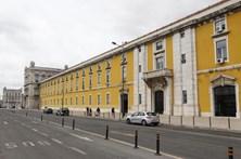 Portugal ainda deve 70 mil milhões à troika