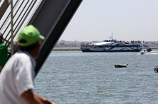 Falta de navios entre a margem sul e Lisboa motiva pedido de reunião com Governo