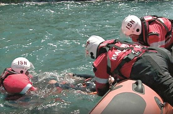 Barcos salva-vidas com horário de escritório