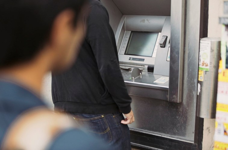 A 100%: Caixas multibanco já estão operacionais