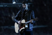 Shawn Mendes lança hoje novo disco