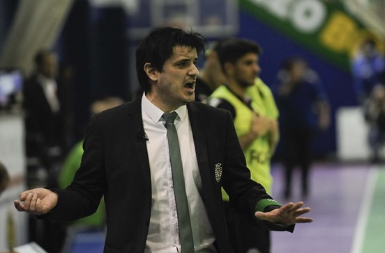 Sporting goleado na final da UEFA Futsal Cup