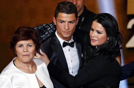 Ronaldo e Katia estão de costas voltadas