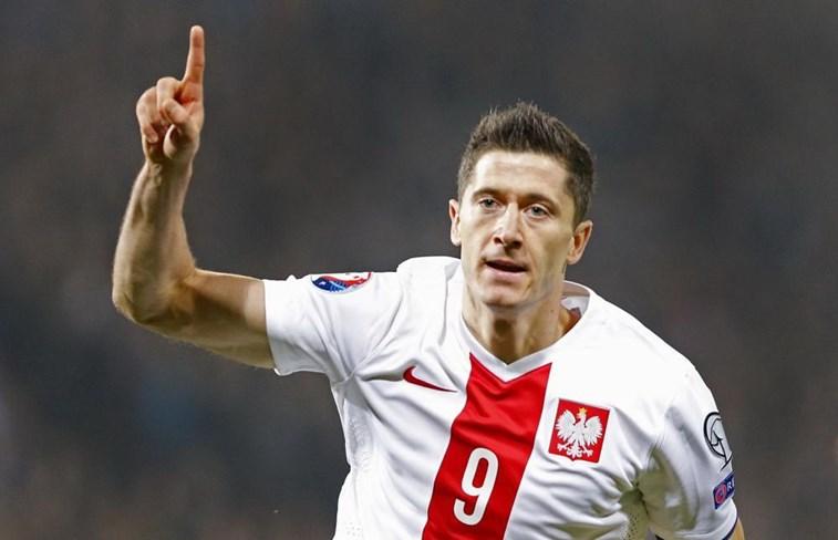 Após levar Polônia à Copa, Lewandowski se forma em Educação Física