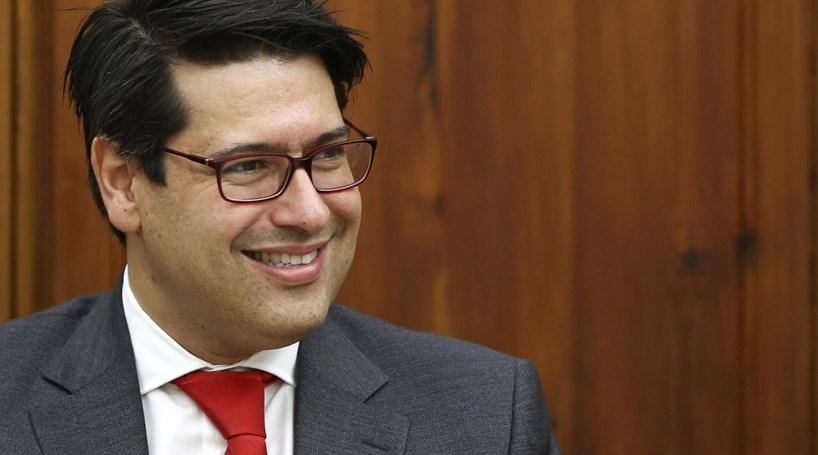 Governo está a discutir novo reembolso antecipado ao FMI