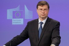 """Comissário europeu diz que há """"notícias encorajadoras""""em Portugal"""
