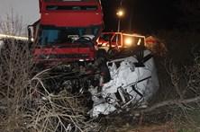 Condutor de carrinha que matou emigrantes em França julgado em 2018