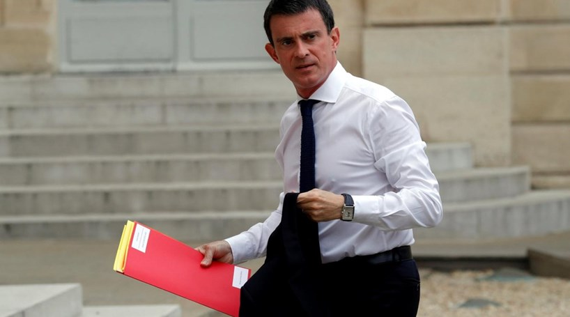 """Valls considera renúncia de Hollande """"decisão de estadista"""""""