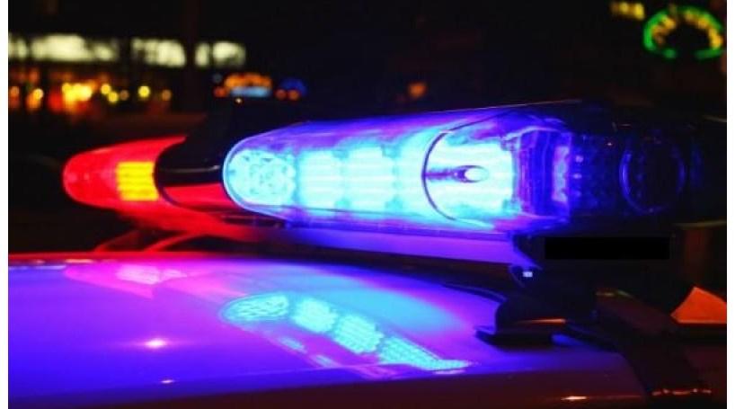 Dois polícias alvejados em assalto