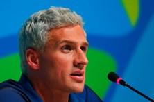 Justiça brasileira recusa arquivar processo a nadador