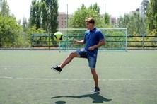 Empresário burla 28 futebolistas