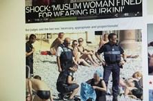 Polícia obriga mulher a despir burkini