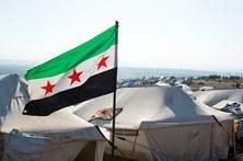 Rebeldes sírios apoiados pela Turquia tomaram Jarablos aos 'jihadistas'