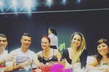 Cristiano Ronaldo junta família em Madrid