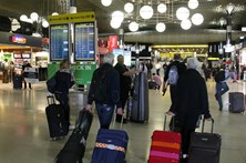 Passageiros criticam atrasos na bagagem