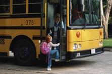 Motorista de autocarro escolar detido por abusos sexuais