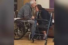 Casal obrigado a separar-se ao fim de 62 anos de casamento