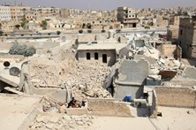 Pelo menos 15 civis mortos num bairro rebelde de Alepo