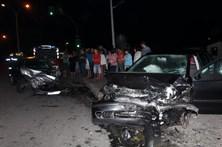Velocidade causa acidente violento