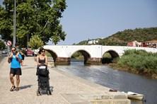 Ponte de Silves encerrada por risco de colapso iminente