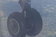 Avião aterra de emergência no aeroporto de Birmingham