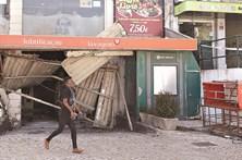 Ladrões explodem garagem com cigarro