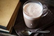 Criança de dois anos morre após beber leite com chocolate
