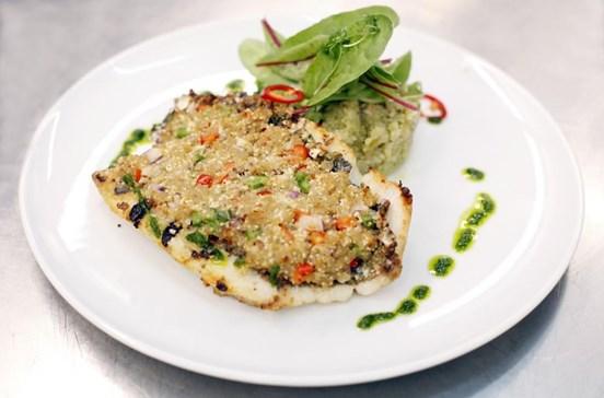 Junte peixe-galo, açorda e crosta de ovas