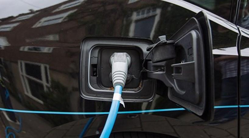 BMW, Daimler, Porsche, Audi e Ford criam rede europeia para abastecer veículos elétricos