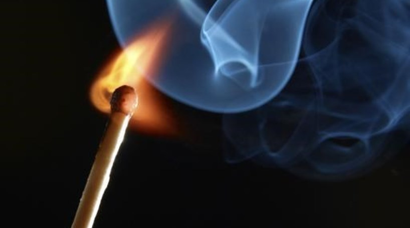 Mulher em prisão preventiva por atear fogo florestal