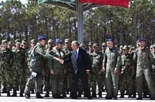 Marcelo recebe militares na Base Aérea de Monte Real