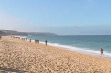 Praia do Meco voltou a acolher 'Légua Nudista'