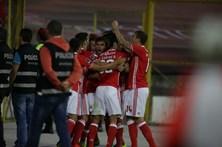 Benfica vence em Chaves e recupera a liderança