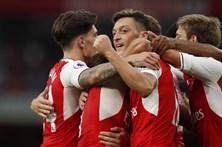 Wenger vence no 20.º aniversário como técnico do Arsenal
