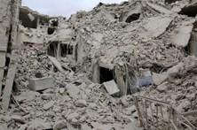 Pelo menos 50 mortos em bombardeamentos sobre Alepo