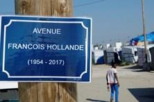 """Presidente francês visita a """"selva"""" de Calais"""
