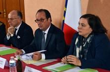 """Hollande confirma desmantelamento da """"selva"""" de Calais"""