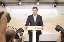 """Sánchez exige PSOE  """"a falar a uma só voz"""""""