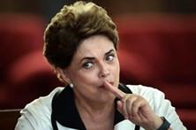 """Dilma diz que Brasil caminha para """"estado de exceção"""""""