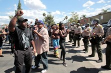 Morte de negro provoca manifestação