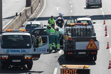 Bombeiros salvam grávida de acidente