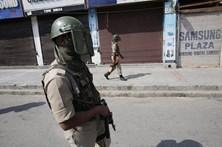 Índia evacua aldeias na fronteira com o Paquistão