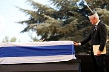 """Netanyahu despede-se de """"um grande homem do mundo"""""""