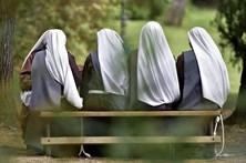 Ex-freiras casam-se pelo civil em Itália