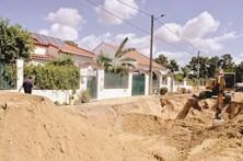 Moradores contestam obras de saneamento